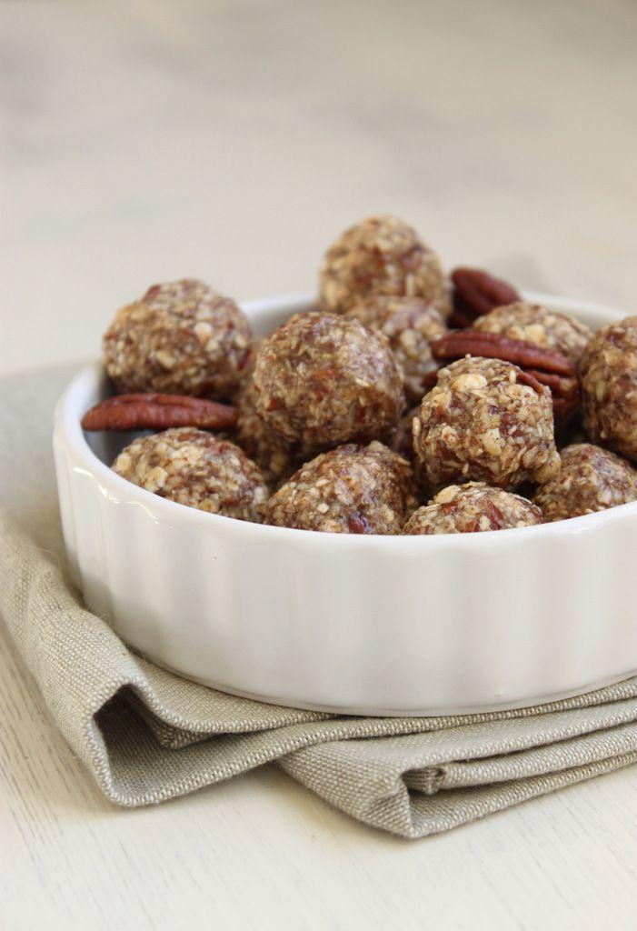Seulement 5 ingrédients pour réaliser ces délicieuses boulettes aux saveurs canadiennes ! Dégustez-les lors de vos séances sportives, en guise de petit déj. ou encore en encas. Ou aussi ça marche bien si vous avez besoin de réconfort ;) Enfin peu importe,...