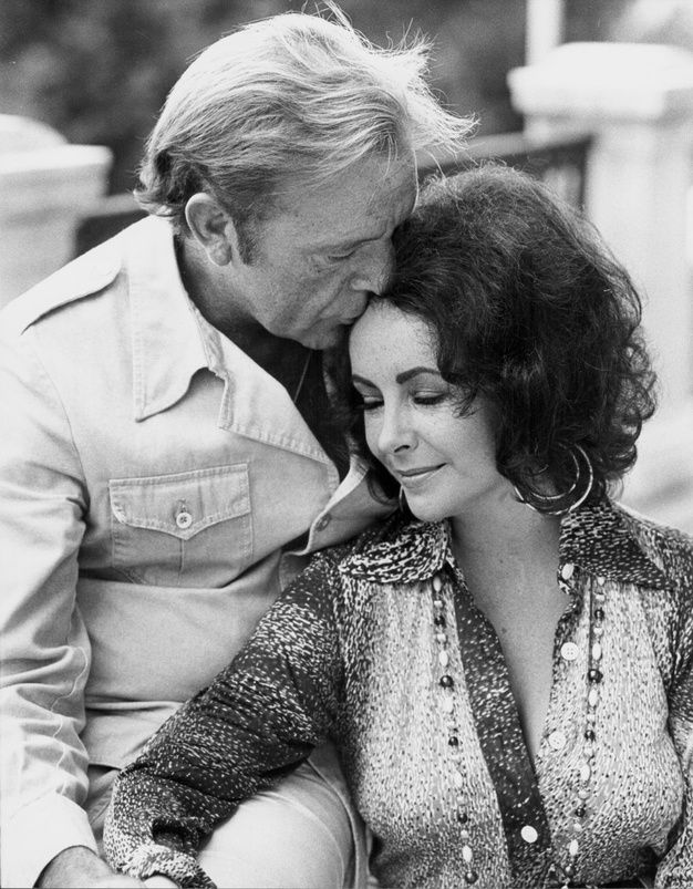 Elizabeth Taylor et Richard Burton                                                                                                                                                                                 Plus