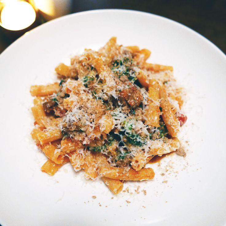 Kissa Tanto Vancouver Italian Japanese Cuisine Nomss Delicious Food Photography Healthy Travel Lifestyle   Sedanini 22: sausage ragu, rapini, ground roasted sesame, and pecorino. One of my favorite dishes and would crave this late at night.