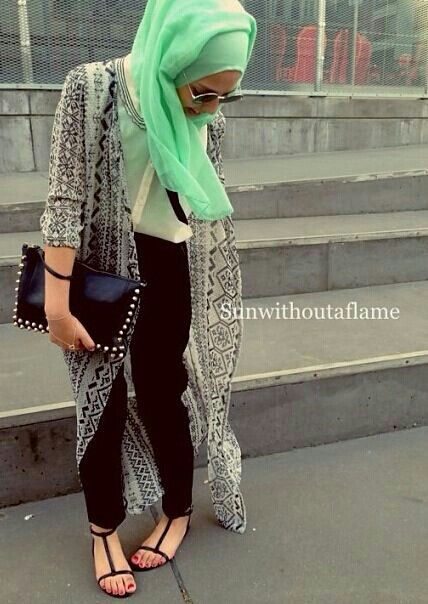 Green hijab with leather tights. Casual wear. Breakfast hijab casuals.