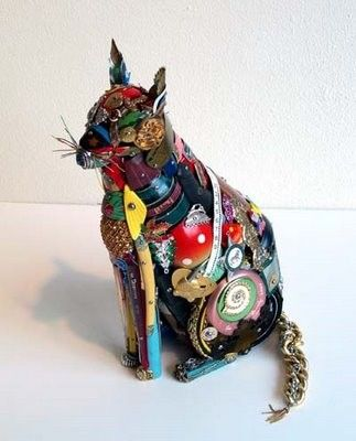 The found object cat above is by Leo Sewell....via Art Propelled