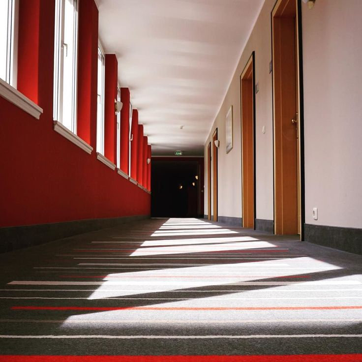 #Light #shadow and #perspective down a #corridor in the #HotelTanne in #Ilmenau #Thuringia #Germany. #travel #tourism #tourist #leisure #life #carpet #hotel #building #design #architecture #red #window #symmetry #decor #IgersIlmenau #IgersThuringia #IgersGermany #IgersThüringer #Thüringer #VisitIlmenau #VisitGermany