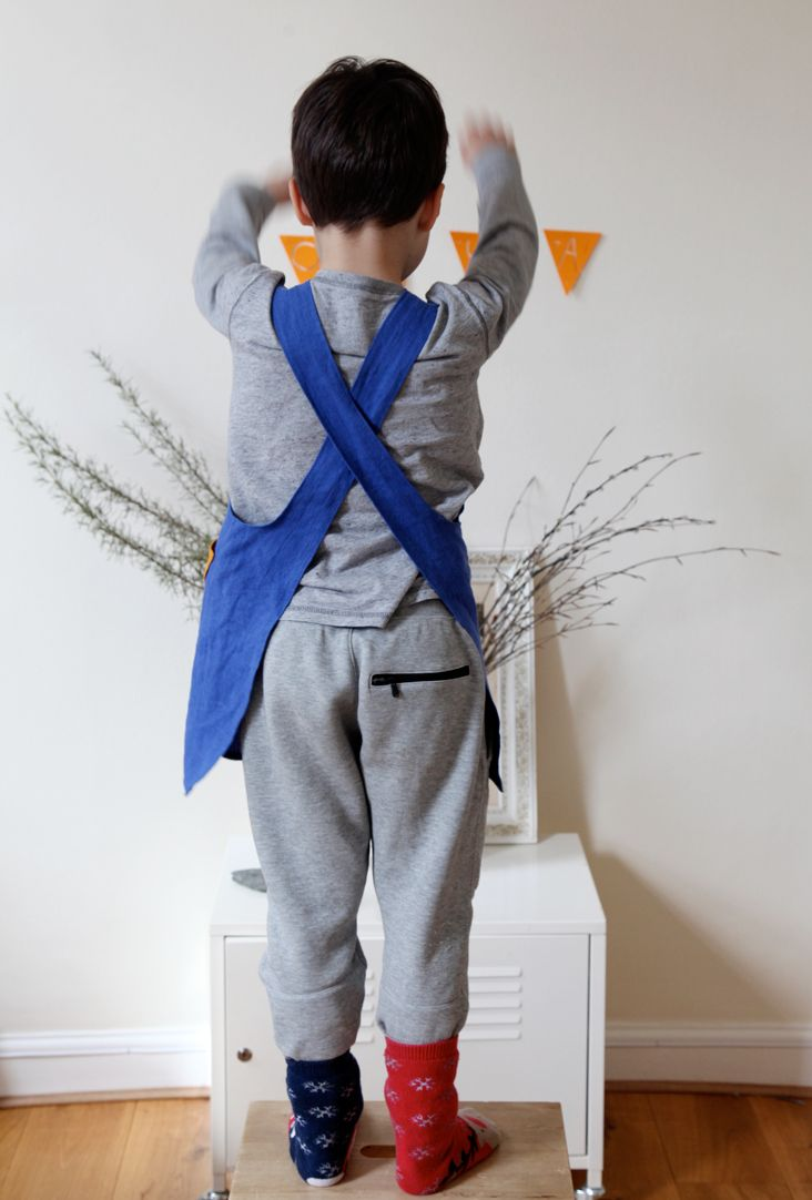 Pattern for Kid's CrisCross Apron with no ties (Japanese