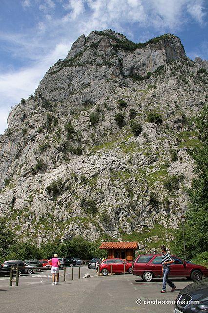 Funicular Bulnes by desdeasturias.com, via Flickr