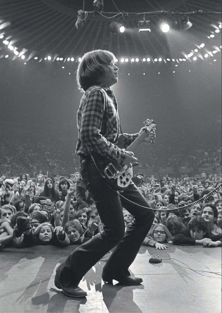 John Fogerty - Creedence Clearwater Revival - My favorite picture of my favorite guitarist!