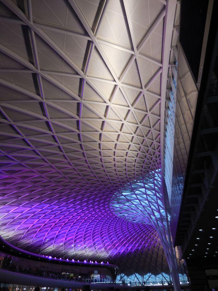 Atrio stazione ferroviaria Charing Cross