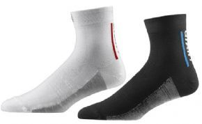 Giant Equipment Giant Rev Lite Quarter Socks Giant Rev Lite Quarter Socks are a technical performance cycling sock featuring muscle compression left and right specific anatomical structure - supremely dry and comfortable thanks to moisture trans http://www.MightGet.com/april-2017-1/giant-equipment-giant-rev-lite-quarter-socks.asp