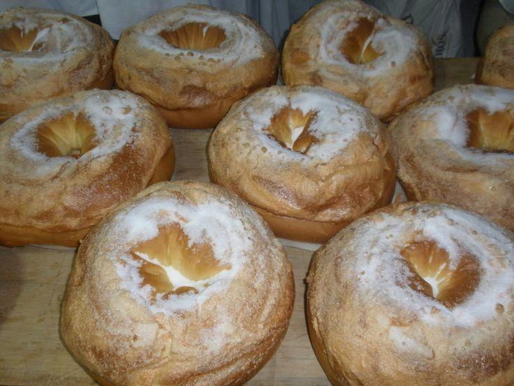 Panadería Miguel Agustín Guerola:  - Panadería tradicional de Ontinyent, monas de pascua o panquemado. Más de 60 años haciendo pan y dulces tradicionales.