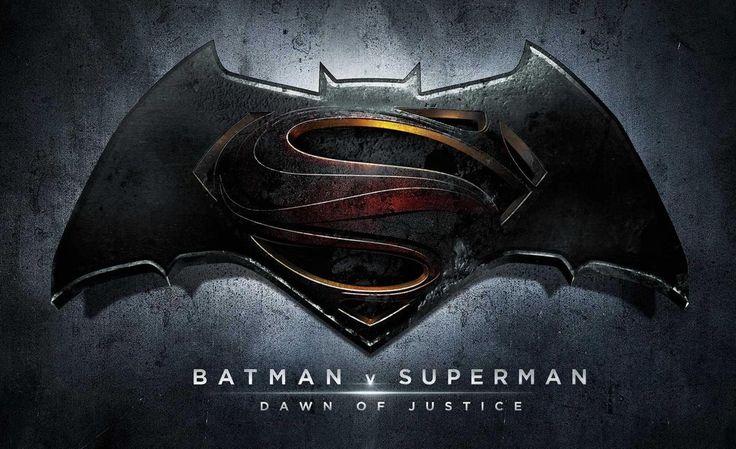 Aunque no nos compartan tráilers de la película, los chicos de Warner Bros han decidido compartirnos la sinopsis oficial de la esperada Batman vs. Superman: Dawn of Justice, que se estrenará el 23 de marzo …