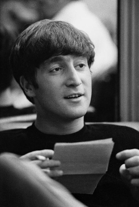 Культурная жизнь в Лондоне в 60-е. The Beatles, Джон Леннон. Фотограф Philip Jones Griffiths. - Неспящие в Торонто