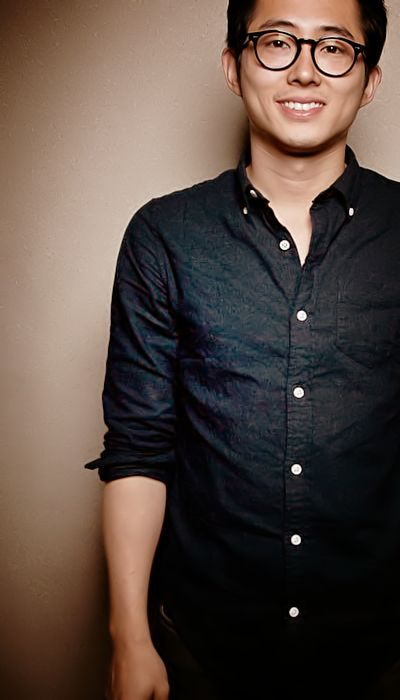 steven yeun- god those dimples!!!