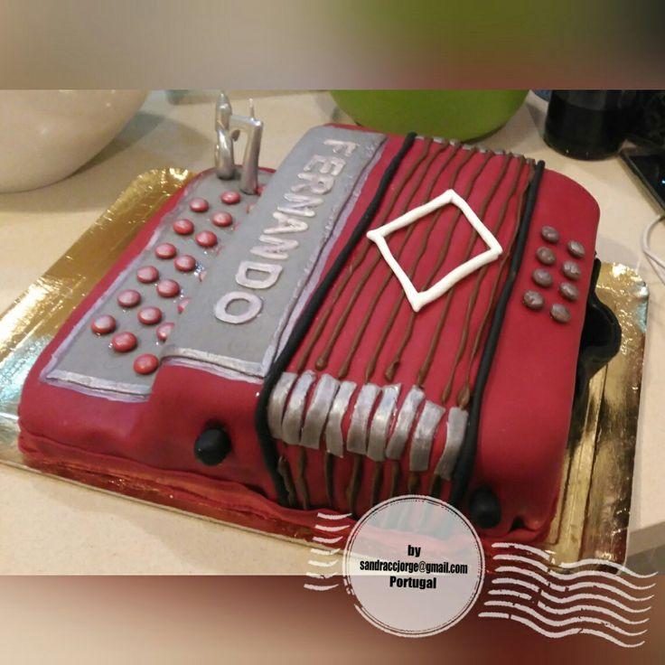 Bolo concertina / Accordion cake - Decoração pasta de açúcar por sandraccjorge@gmail.com Lisboa//Leiria Portugal