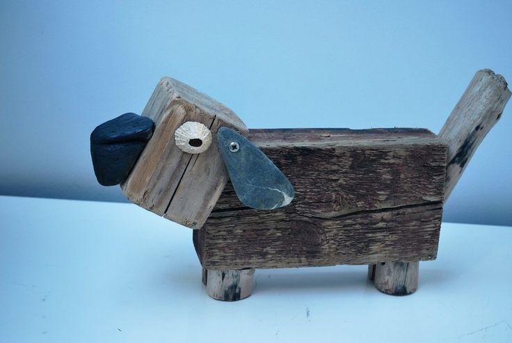 Drijfhout 25 Driftwood dog made at Dijkstijl.com