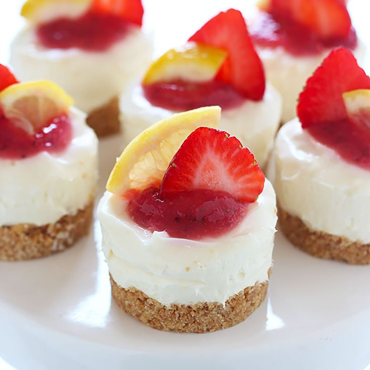 No Bake Strawberry Lemonade Mini Cheesecakes