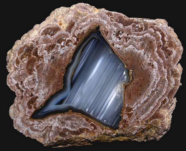 Thunderegg with agate and opal
