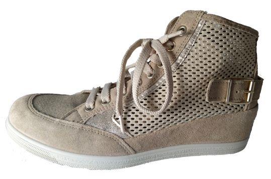 Hidden wedge sneaker for ladies, made in Italy by Igi&Co