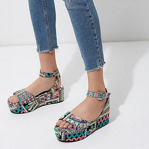 Roze geborduurde sandalen met plateauzool - sandalen - schoenen / laarzen - dames