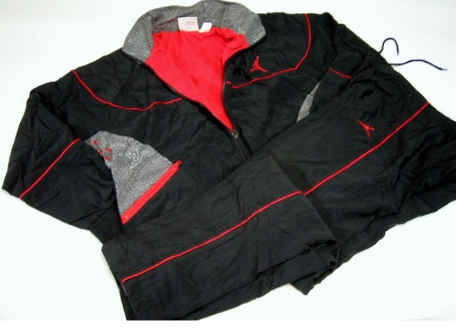 newest 5fd17 0d698 AJ 3 - Black colour range Warm up suit 1988   Fre H Air   Air jordans,  Jordans, Nike air jordans