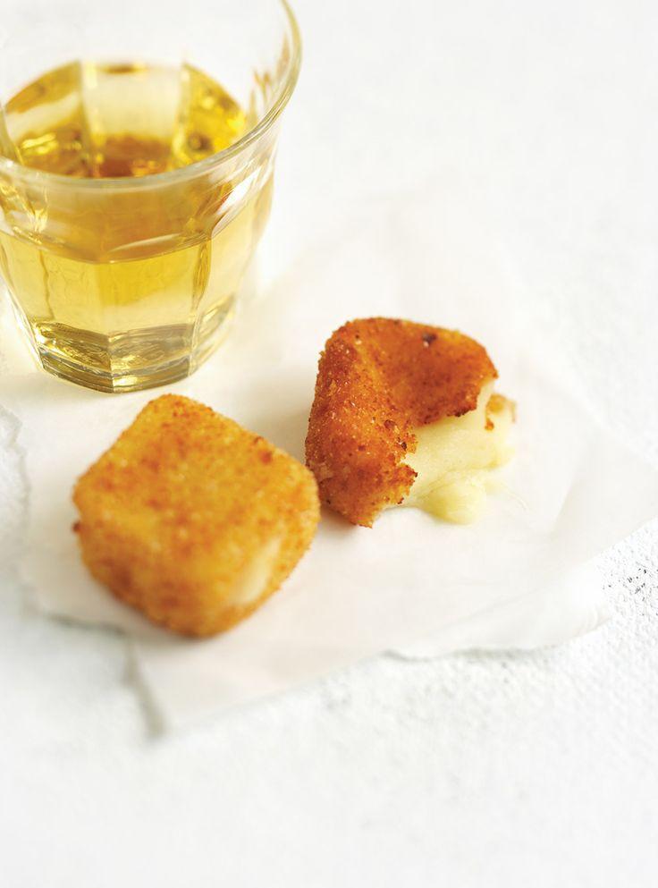 "Ricardo's recipe : Three Cheese ""Fondue Parmesan"" (Fried Cheese Squares)"