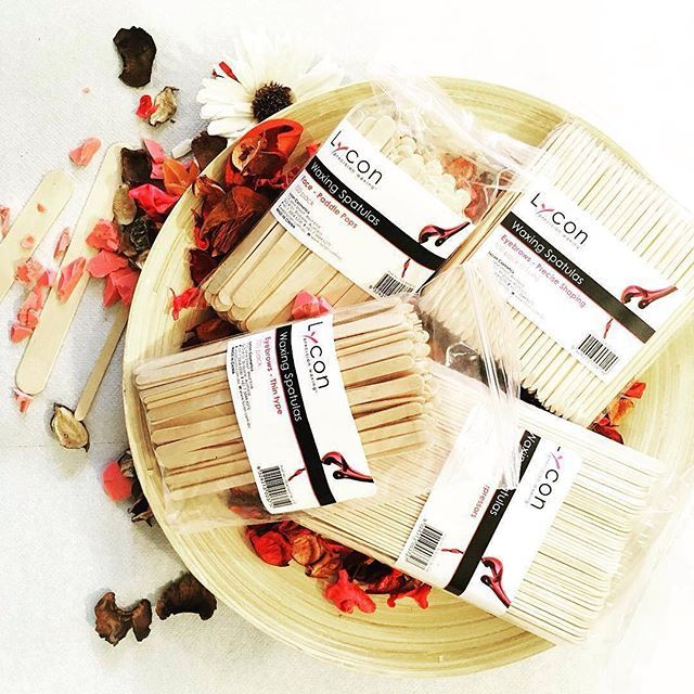 Here at LYCON, we think spatulas are a girls best friend. LYCON offers a variety of waxing spatulas for totally professional and hygienic waxing, so what are you waiting for? Start using the best of the best
