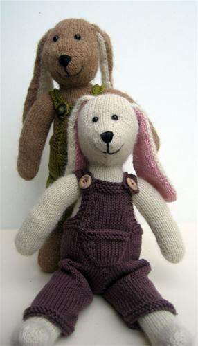 GRATIS PATROON KONIJN BREIEN - Hobby Free knitting pattern for bunnies: http://www.hobbydoos.nl/patronen/breien/konijnjongen.asp