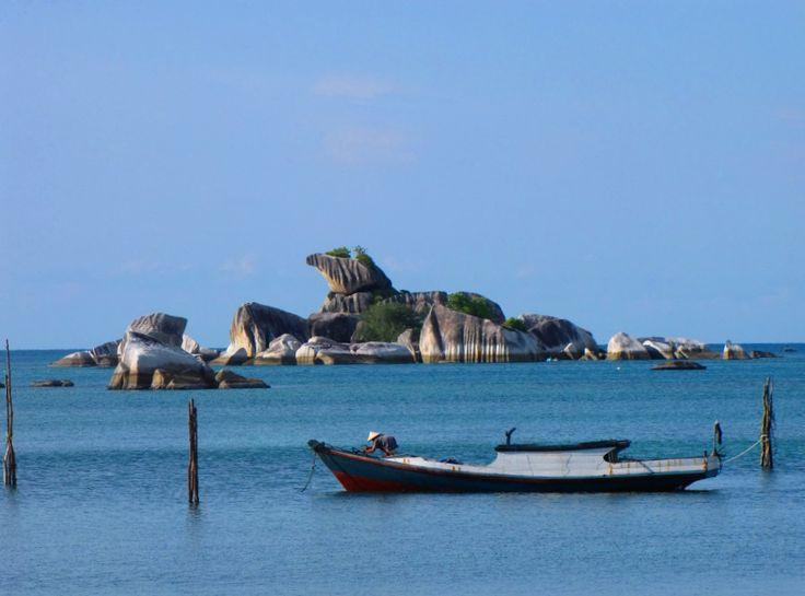 Pulau Batu Garuda, Pantai Tanjung Kelayang, Kabupaten Belitung, Kepulauan Bangka Belitung