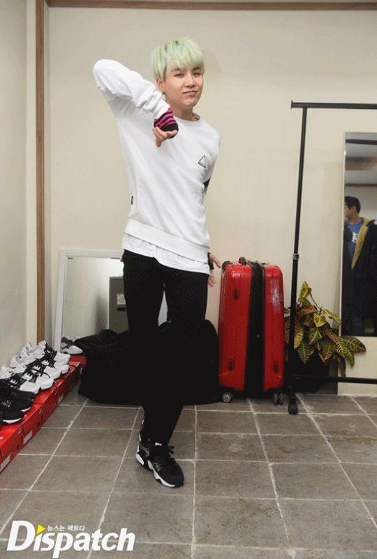 "[Interview/Trans] [STARCAST] RUN X3, again"" … BTS, running in the rain [160115] | btsdiary  cute ssuga dancing!"