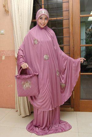 #Mukena purple dilengkapi dengan tas dan sajadah mini
