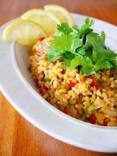タイ風♪玄米パクチー炒飯。簡単タイ料理@アジアごはんごちそうワンプレート