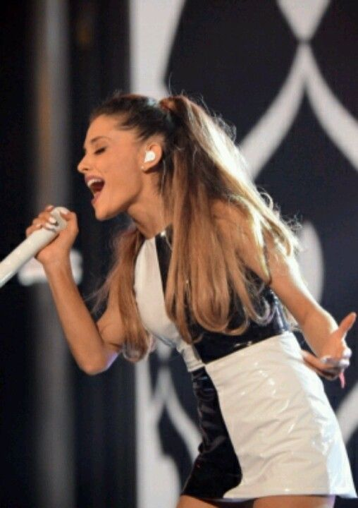 Ariana Grande 2014 Billboard Music Awards
