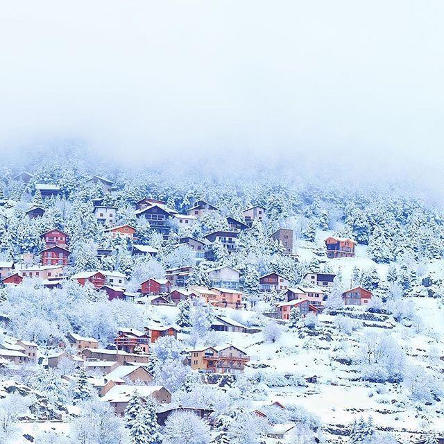 Com magraden aquestes vistes de @fontromeu.p2000.altiservice amb neu!  Bona nit FamIGlia!!!