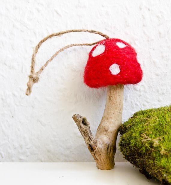 Gevilte Mushroom ornamenten met Twine Hangers door BalloonHighway
