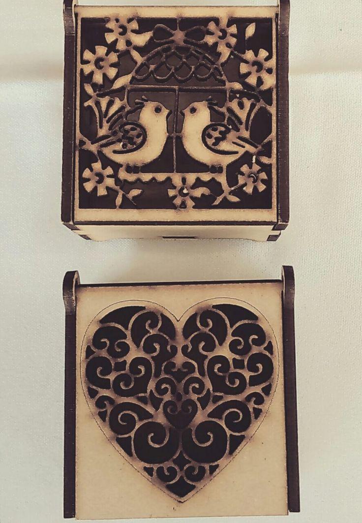 Cajas de Madera talladas a mano por Amanda Castro Diseños #MercadoCulturoso Abril 2016 #creemosYcreamos pedidos: pinzoncastro@hotmail.com #panama