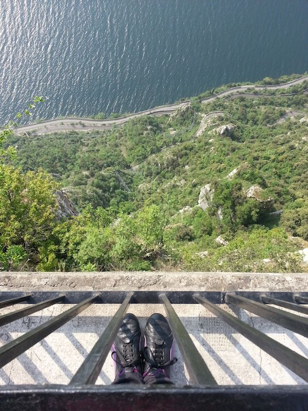 """Sulla """"Terrazza del brivido"""" all'Hotel Paradiso... un balcone sospeso nel vuoto"""