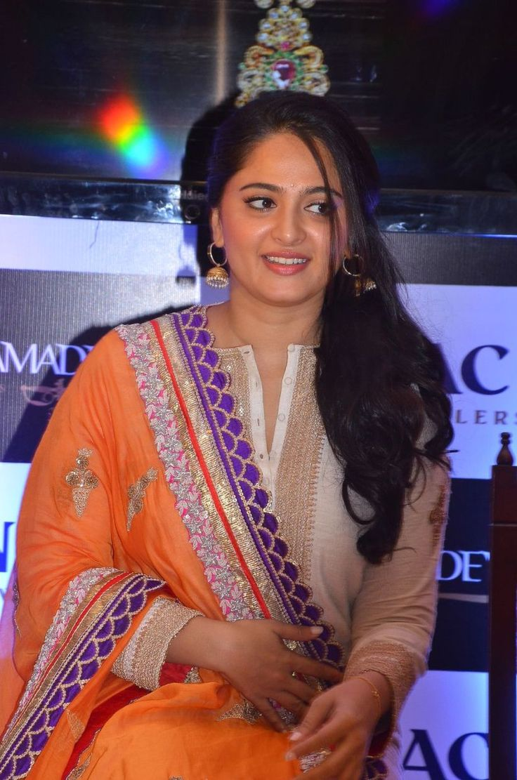 awesome Anushka Shetty Launches Rudramadevi Collections at NAC Jewellers