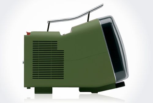 Yeah; this is cool. Such a profile. The Brionvega Algol TV by Richard Sapper & Marco Zanuso. Sweet!