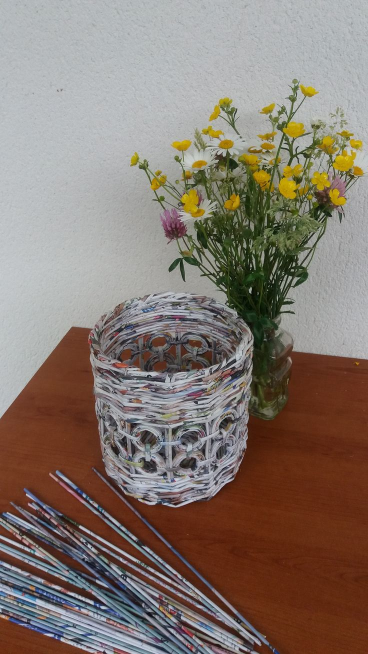 cache pot papier recycl jaula de papel pinterest papel manualidades de papel reciclado y. Black Bedroom Furniture Sets. Home Design Ideas