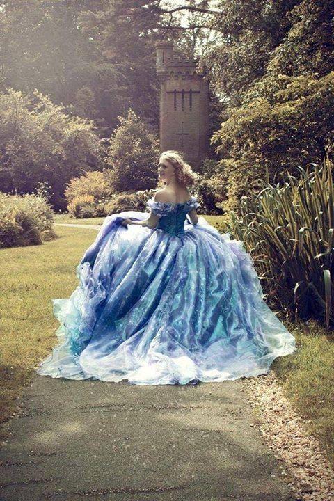 robe de bal bleue