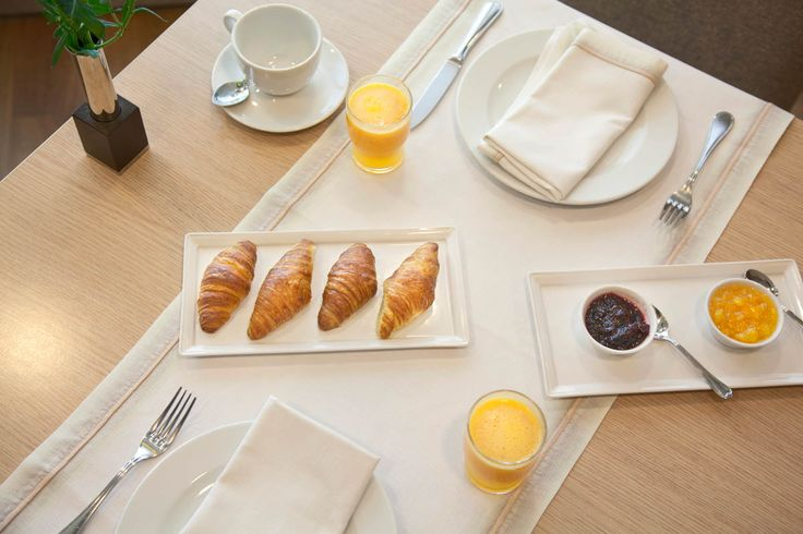 On the first floor of the hotel, our restaurant opens early in the morning to serve our guests a sumptuous breakfast!