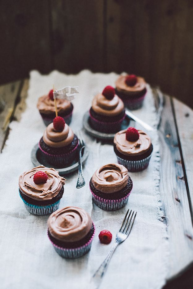 Chocolate cupcakes with mjölkchoklad frosting