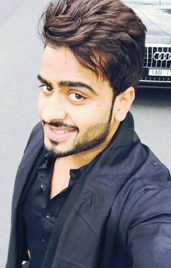 Jugaadi jatt singer Mankirt Aulakh is a new star in Punjabi industry