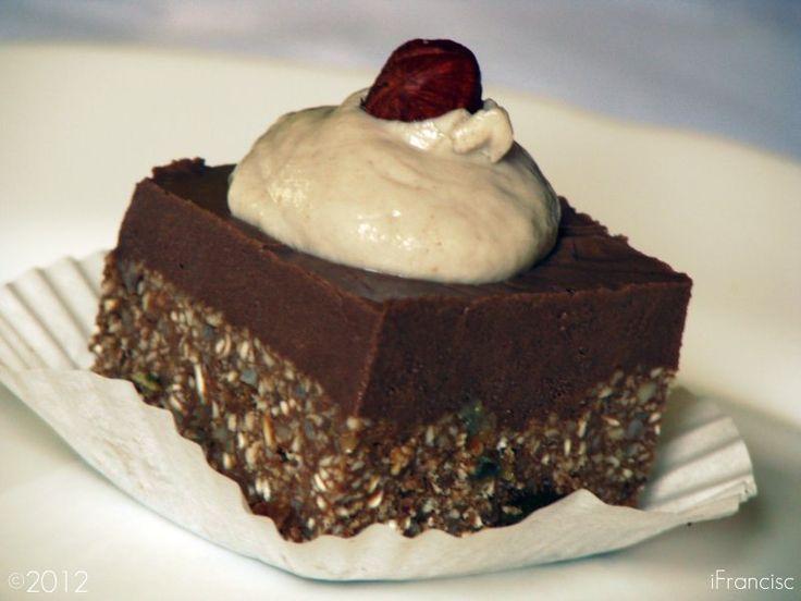 Diós csokoládés kocka ínycsiklandó habbal – nagyon csokis, megunhatatlan süti!