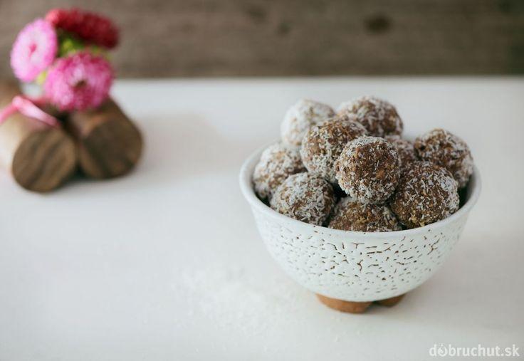 Gaštanové guľky s čokoládou a kokosom