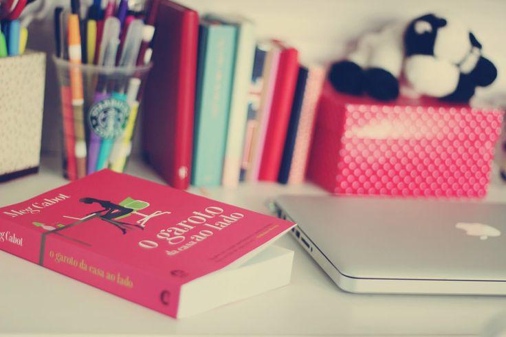 /Apple/Macbook/book/pink/dog/organizes/pencils/Starbucks/<3/color/home