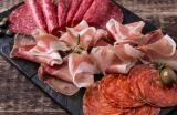 Le saucisson est la plus grasse des charcuteries : FAUX