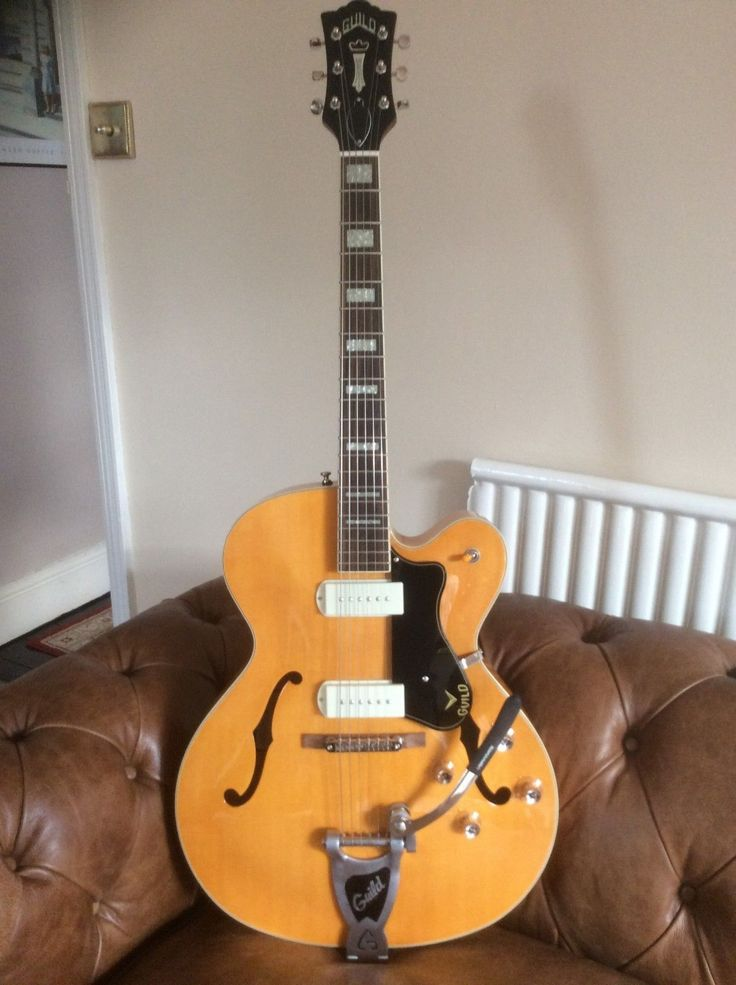 Guild X-175b semi-acoustic guitar in superb condition with OHSC