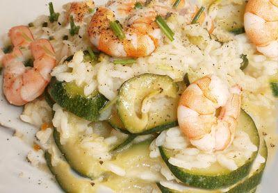 Risotto con zucchine e gamberetti un primo piatto semplice e facile da realizzare