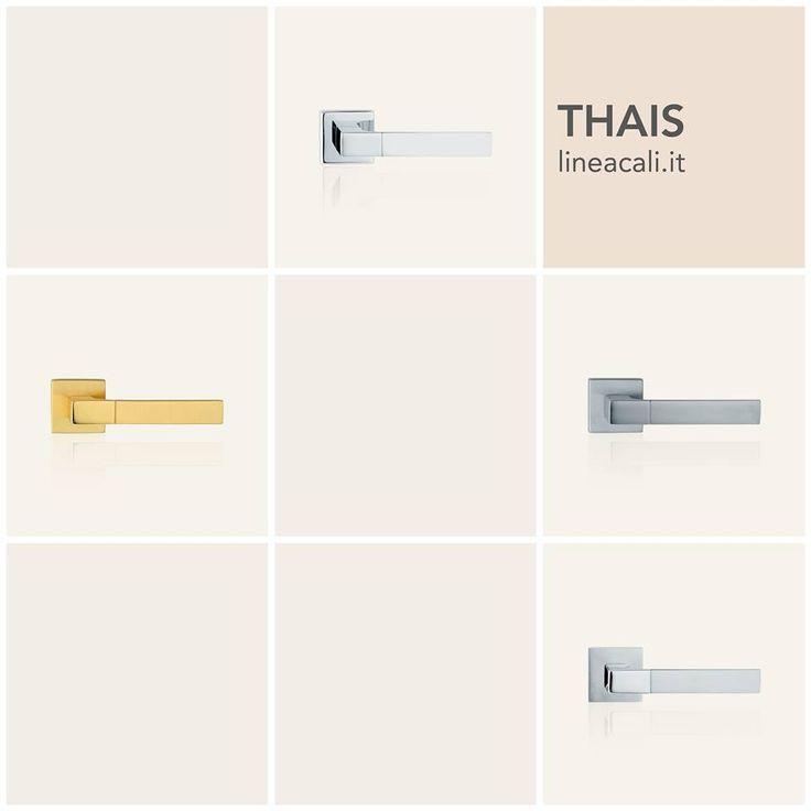 Thais | A thin groove that is barely visible to the eye and is barely perceptible under the hand, gives an unusual but pleasant touch to a collection whose strong point lies in its simplicity - - - Una leggerissima scanalatura, appena percettibile agli occhi e sotto il palmo della mano, dona un sapore piacevolmente insolito a una collezione che fa della sua semplicità il suo punto di forza. #handles #doorhandle #doorhandles #lineacali #maniglie #square #design #brass
