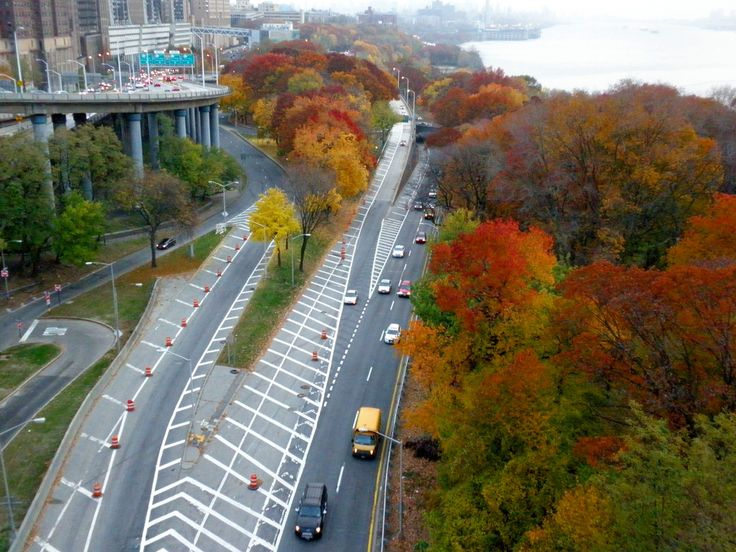 Henry Hudson Parkway (northbound), Fort Washington Park, New York City | Aerial View from the Southwalk of the George Washington Bridge.