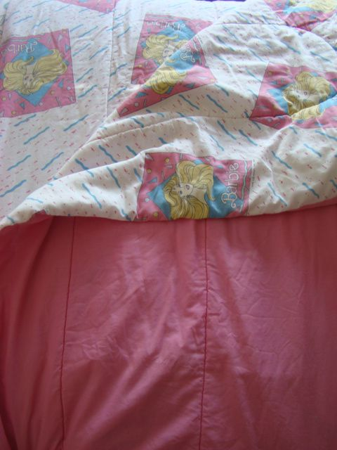 #vintagebarbie #ilovebarbie #1980s #80skid #Barbie #vintagebedding #barbieblanket